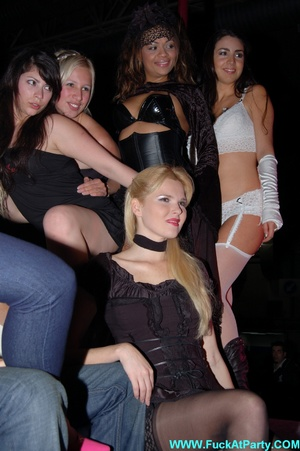 Reality porn pics of sex party hotties willinlgy posing in exclusive outfits and lingerie on a cam. - XXXonXXX - Pic 11