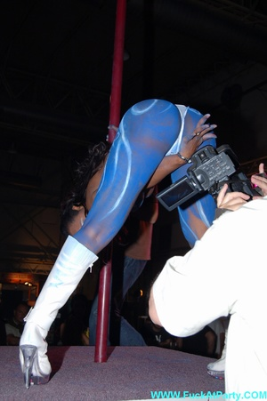 Xxx party blue painted striper girl in white panties looking so sexy while dancing on the pole in public. - XXXonXXX - Pic 7