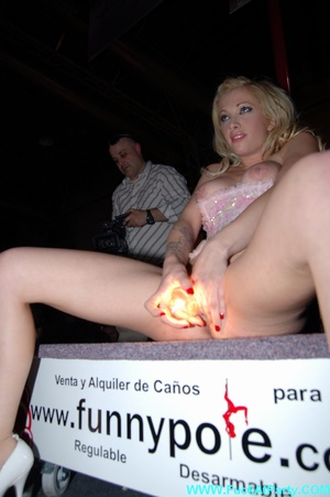 Reality xxx pics of blonde babe taking off her panties and inserting light bulb in her shaved vagina. - XXXonXXX - Pic 8