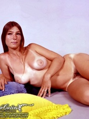 Busty women in hot poses for vintage porn - XXX Dessert - Picture 7