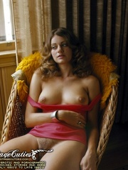 Gorgeous vintage nude girls relaxing and - XXX Dessert - Picture 9