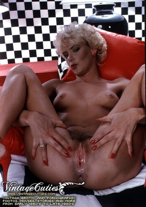 Horny sluts opening their legs wide and  - XXX Dessert - Picture 2