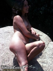 Superb naked girls posing in vintage - XXX Dessert - Picture 8