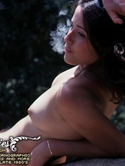 Superb naked girls posing in vintage - XXX Dessert - Picture 10