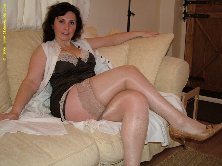 Nude mature wives in lingerie