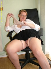 Look at these mature wives exposing their - XXX Dessert - Picture 4