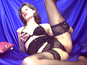 Kinky lady in sexy lingerie hardening di - XXX Dessert - Picture 9