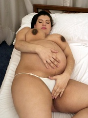 Push your hands under her white pregnant - XXX Dessert - Picture 2