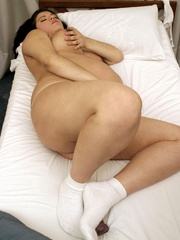 Push your hands under her white pregnant - XXX Dessert - Picture 7