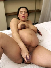 Push your hands under her white pregnant - XXX Dessert - Picture 13