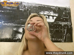 Tipsy smoking blondie in babydoll seducing her boy - XXXonXXX - Pic 5