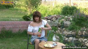 Brunette mature slut takes off white blouse and skirt and posing stark-naked in the garden - XXXonXXX - Pic 1