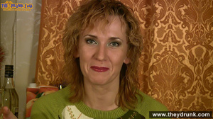 Easygoing mature woman gets naked during at christmastime - XXXonXXX - Pic 3