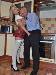 That pantyhose porn blonde comes to - XXX Dessert - Picture 1