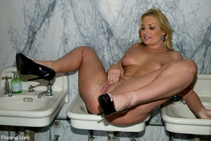 Sex is good, of course, but pissing is much better - XXXonXXX - Pic 5