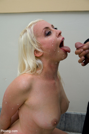 Had a goldenshower from her peeing Casanova into mouth and between boobs - XXXonXXX - Pic 3