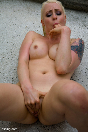 Had a goldenshower from her peeing Casanova into mouth and between boobs - XXXonXXX - Pic 8