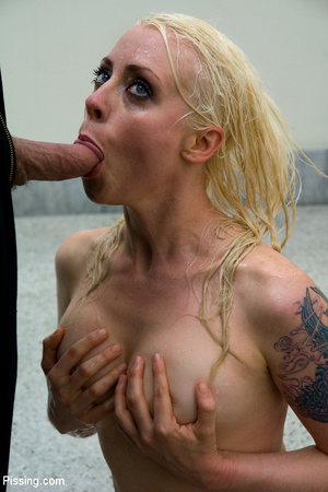 Had a goldenshower from her peeing Casanova into mouth and between boobs - XXXonXXX - Pic 14