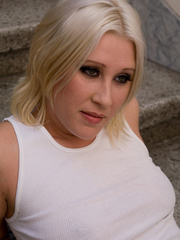 Why do such sexy blondes allow guys do Pissing in - XXXonXXX - Pic 1