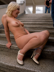Why do such sexy blondes allow guys do Pissing in - XXXonXXX - Pic 6