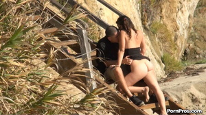 Public sex of bitch and musclehead on the sandy beach between this and that! - XXXonXXX - Pic 2