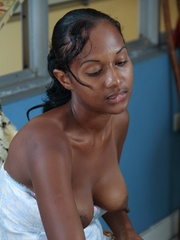 Black panther with Natural Hairy - Sexy Women in Lingerie - Picture 2