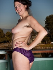 See what I have between legs and - Sexy Women in Lingerie - Picture 3