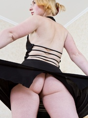 Her hairy girls pinky cave is all - Sexy Women in Lingerie - Picture 5