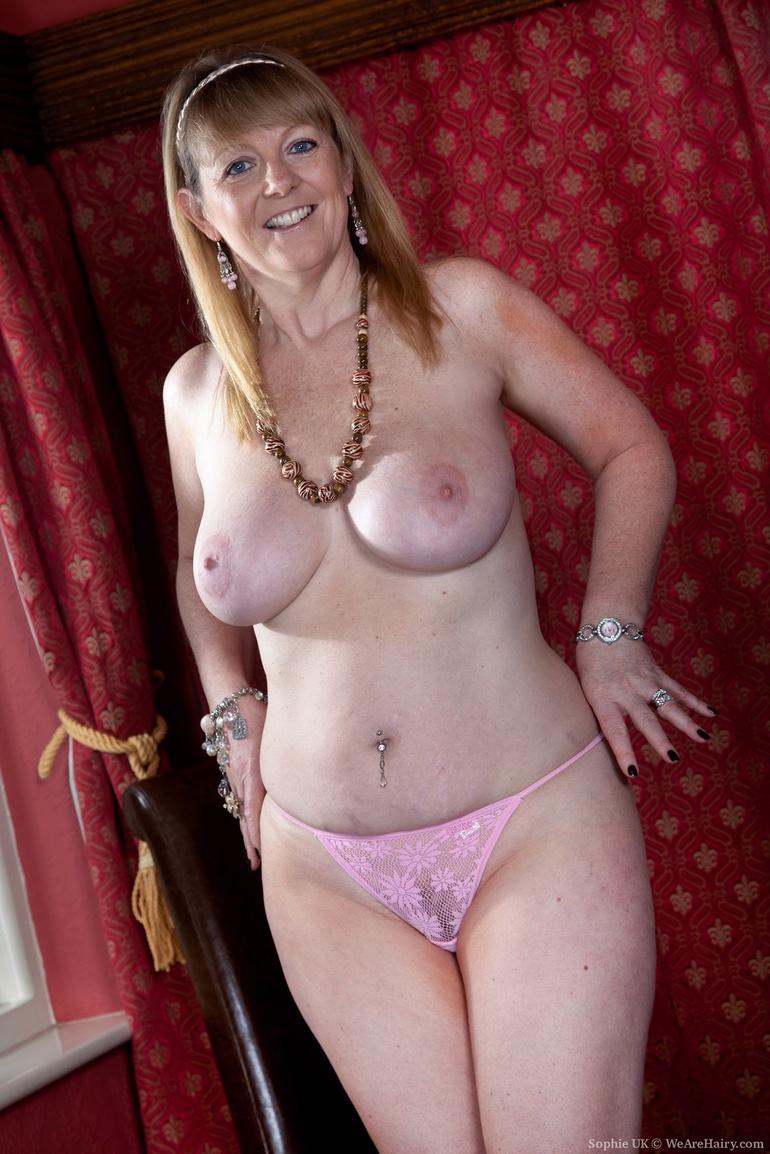 Beste frauuu all over 30 red lingerie granny