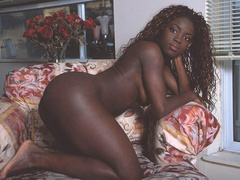 Ebony and gorgeous, those black girls look more alluring - Picture 1