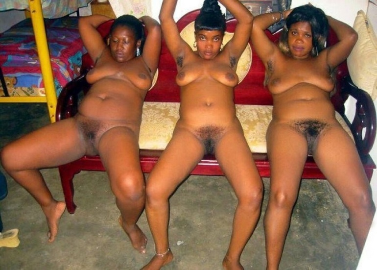Some ebony girls are too good to have it knick-knacked - Picture 1