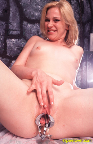 Get that tool out of your thing in order to pee in a normal way! - XXXonXXX - Pic 13
