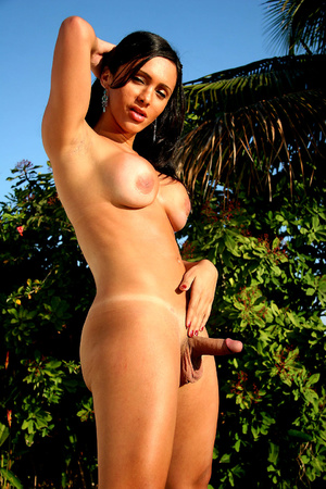 Sexy latin transsexual in pink undies ge - XXX Dessert - Picture 3