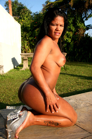 Sexy latin transsexual in pink undies ge - XXX Dessert - Picture 8