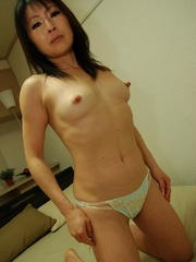 Shaved pussy mature asian mom - Sexy Women in Lingerie - Picture 4