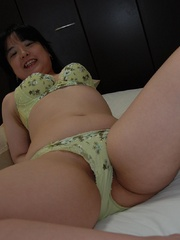 Chubby japanese housewife like the - Sexy Women in Lingerie - Picture 4