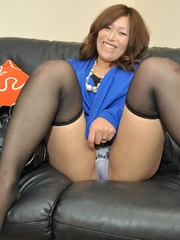 Mature asian babe in black - Sexy Women in Lingerie - Picture 3