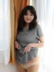 Bushy twta asian granny slips out - Sexy Women in Lingerie - Picture 1