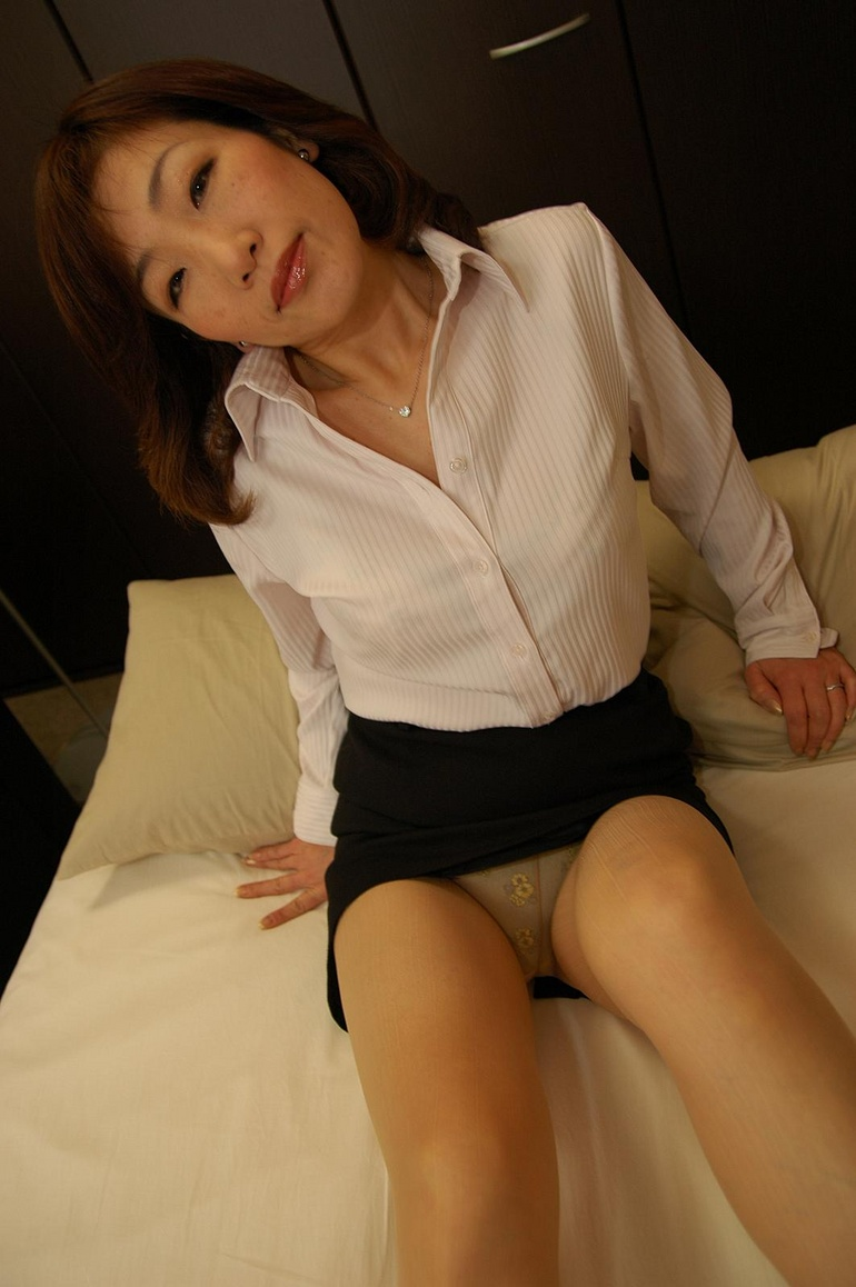 ... brunette mature japanese milf - Sexy Women in Lingerie - Picture 2