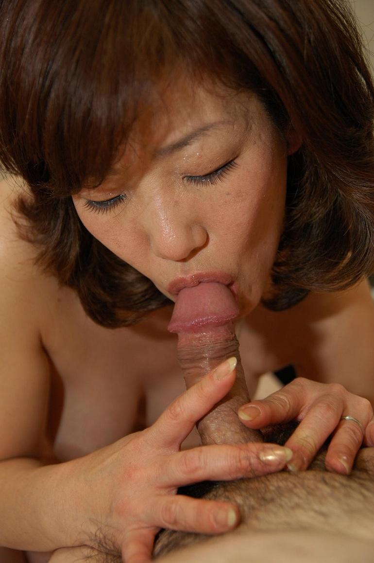 Пожилая азиатка порно 13 фотография