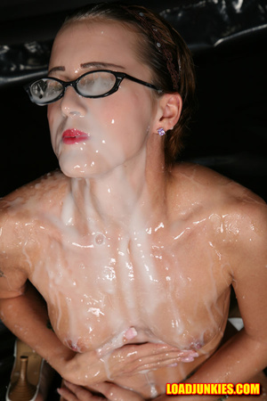 Nerdy babe with small tits and shaved pussy likes a lot of jizz on her face - XXXonXXX - Pic 9