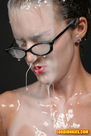 Nerdy babe with small tits and shaved pussy likes a lot of jizz on her face - XXXonXXX - Pic 12