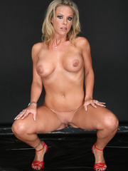 Amazing looking blonde receives the biggest cum - XXXonXXX - Pic 4
