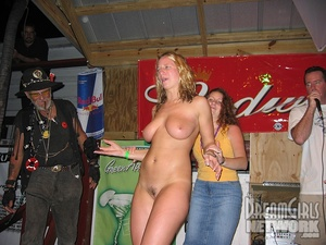 It's gotta be hot and nice doing all that with naked women on stage! - XXXonXXX - Pic 6