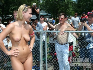 She is all OK, showing her clean-shaven naked women McMuff - XXXonXXX - Pic 10
