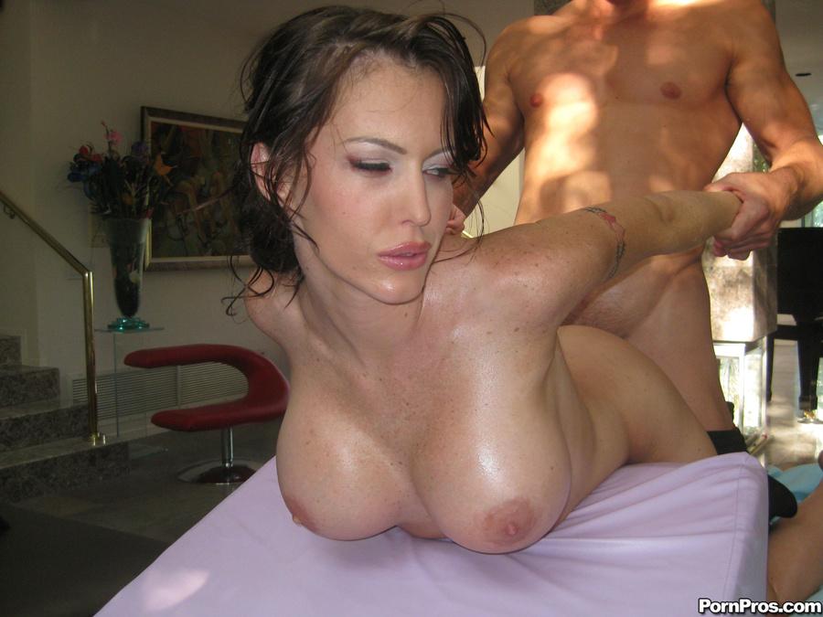 фото массаж большие сиськи