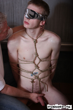 Doing free gay porn blowjob is done the best when eyes are covered - XXXonXXX - Pic 2