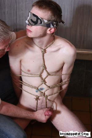 Doing free gay porn blowjob is done the best when eyes are covered - XXXonXXX - Pic 3