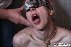 Doing free gay porn blowjob is done the best when eyes are covered - XXXonXXX - Pic 11