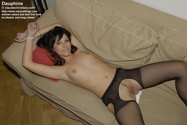 sexy girls in crotchless panties nude